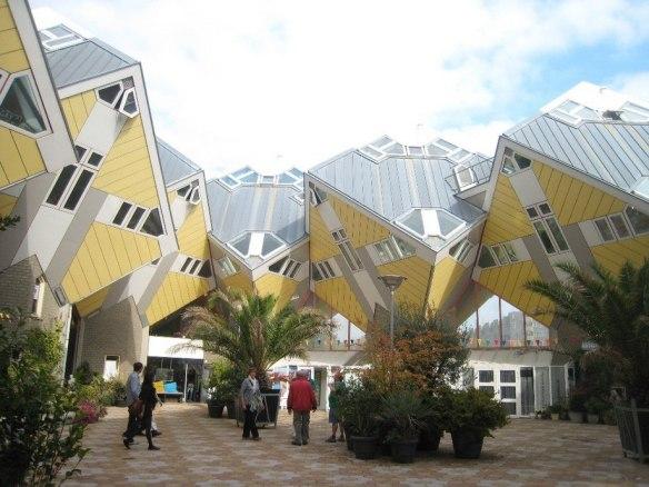 Кубические дома. Роттердам, Нидерланды.