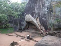 Deraniyagala Cave