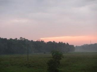 View Sunrise dari Dalam Kereta