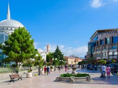 Promenade in Shkoder, Albanie