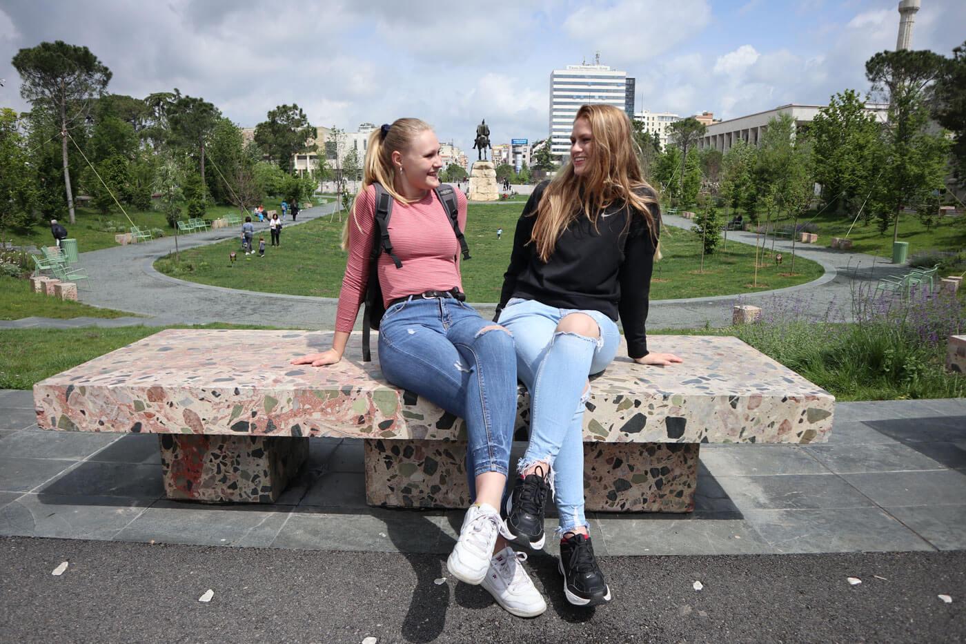 leerlingen tirana skanderbeg plein