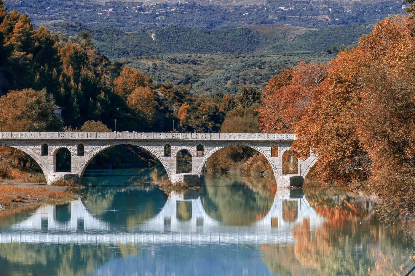 Romeinse brug in Berat Albanië