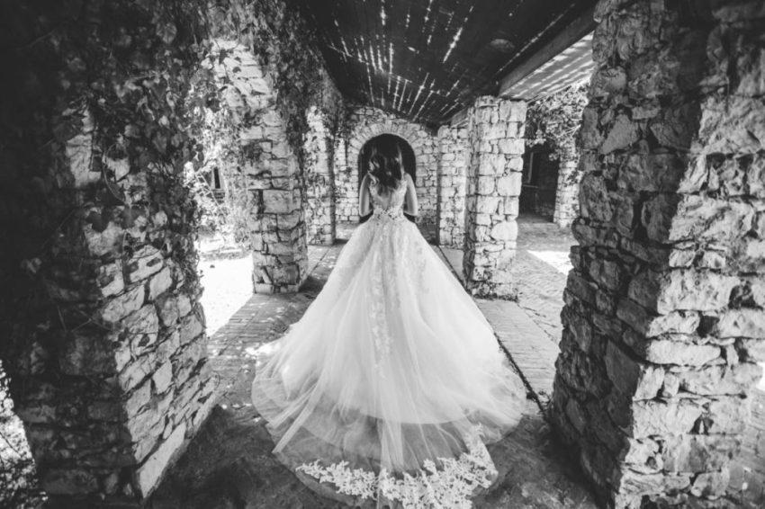 bruid in het jachthotel