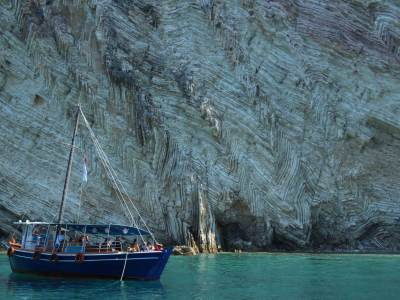 vlore-karaburun met de boot albanie