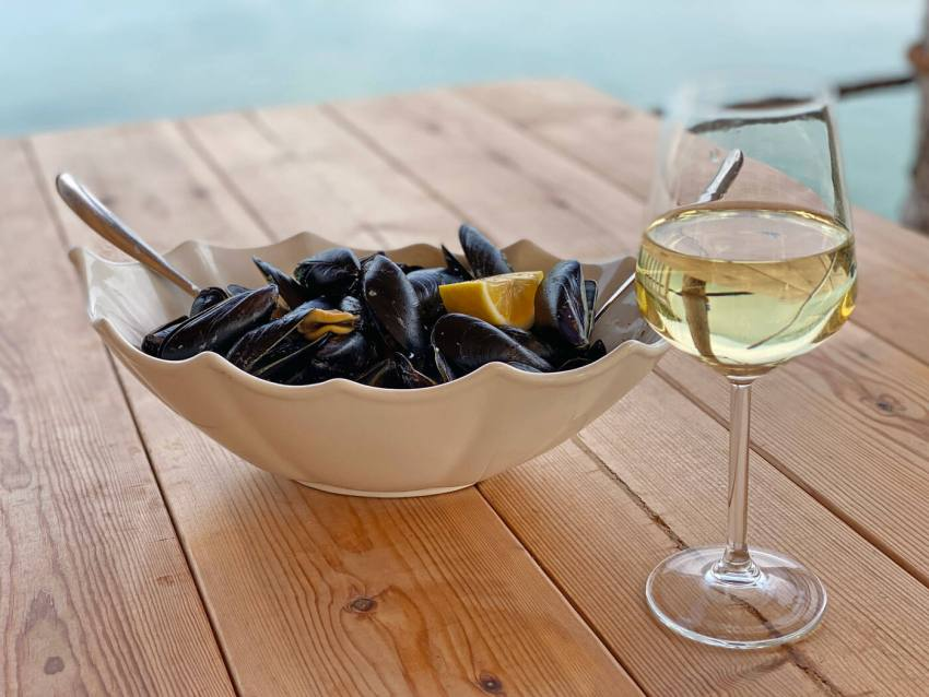 mosselen-met-witte-wijn in Albanie