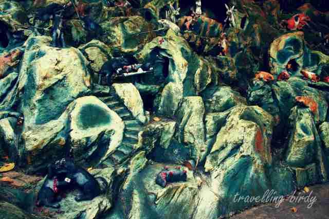 One of the bizarre tableaux in Haw Par Villa - a war scene with mice