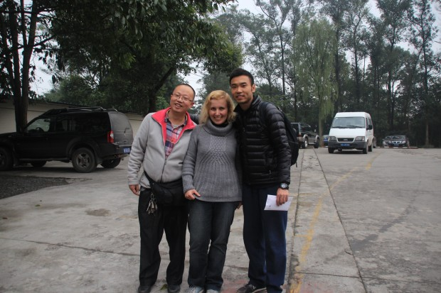 Patrick (left), Leon (right) and me (middle) at the buddhist Monastery on Mount Emei Shan