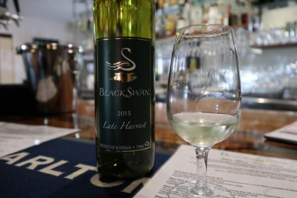 glass-and-bottle-of-late-harvest-chenin-at-black-swan-winery-swan-valley
