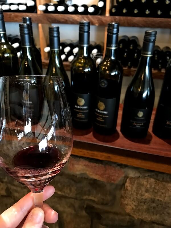 glass-of-jarrah-shiraz-in-the-alkoomi-winery-tasting-room-in-frankland-river-in-great-southern