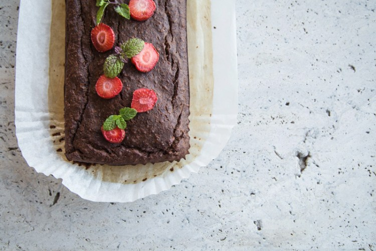CacaoBananaBreadwithStrawberries