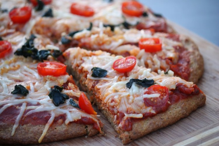 low carb pizza, flax pizza, paleo pizza, gluten free pizza, low carb pizza