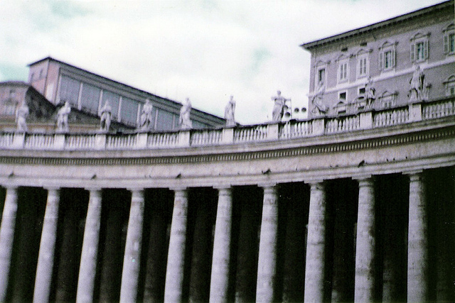 un paseo por el vaticano 640