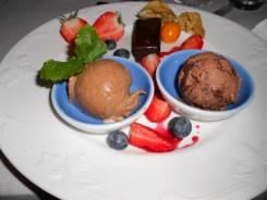 Postre Tres Chocolates