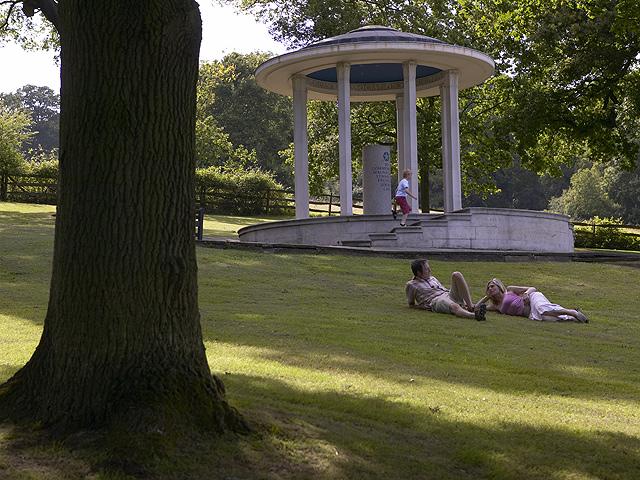 Memorial Runnymede Imagen Banco Imágenes Visit Britain