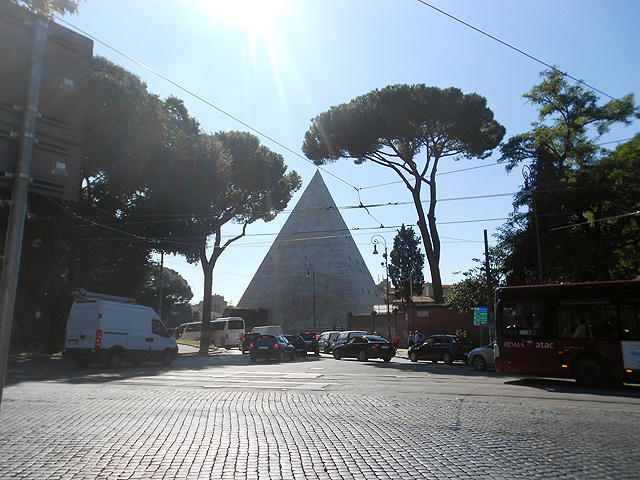 piramide-bus