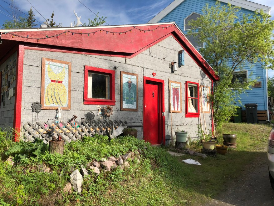 Travelling Foody - Old Town Yellowknife shack with artworks