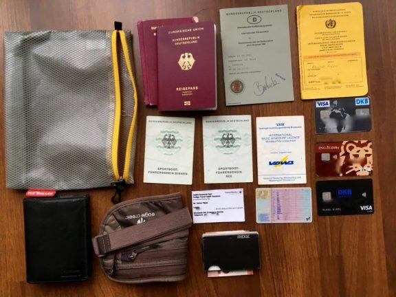 Dokumente für Weltreise