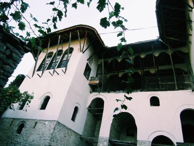 gjirokaster skendulate house