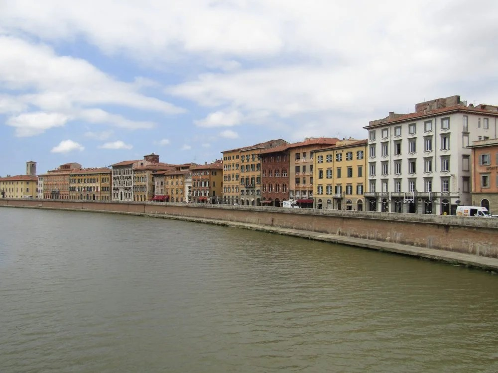 what to do in Pisa, river Arno
