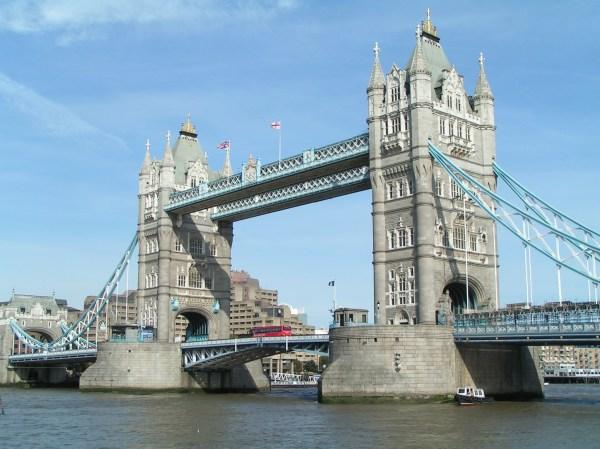 Tower Bridge Bascule In London - Travelling Moods