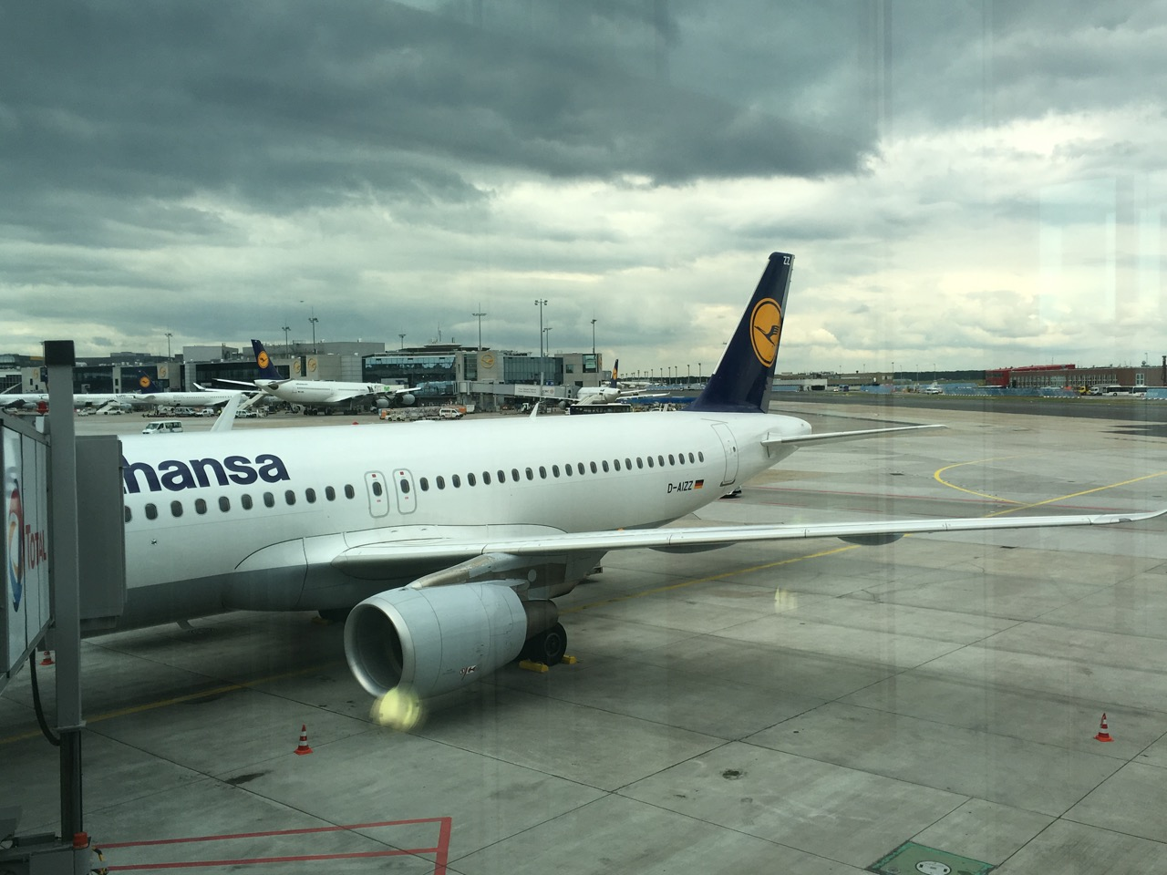 Review Lufthansa Business Class A320 Frankfurt To Kraków