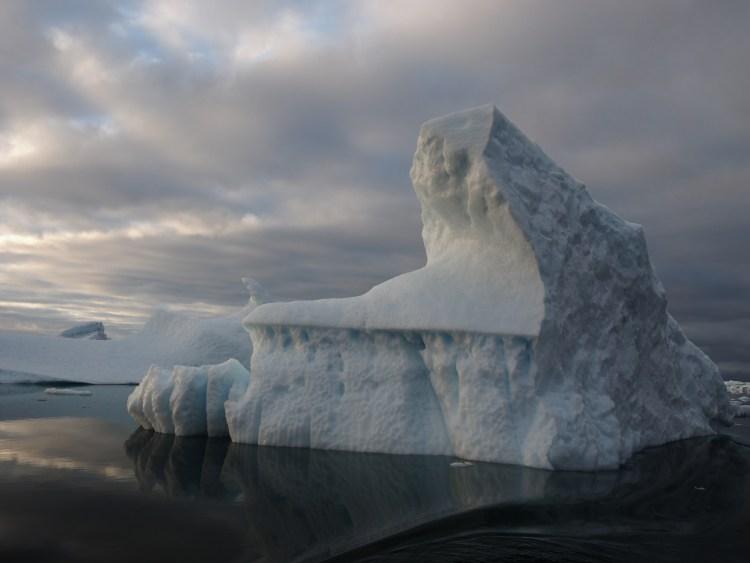 ilulissat-disko-bay-iceberg-eqi