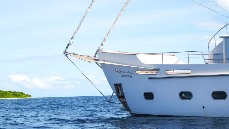 soneva-aqua-travel-blog-in-fushi-maldives-yacht-sailing-luxury