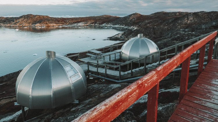 travelling-the-world-solo-travel-blog-hotel-arctic-ilulissat-greenland