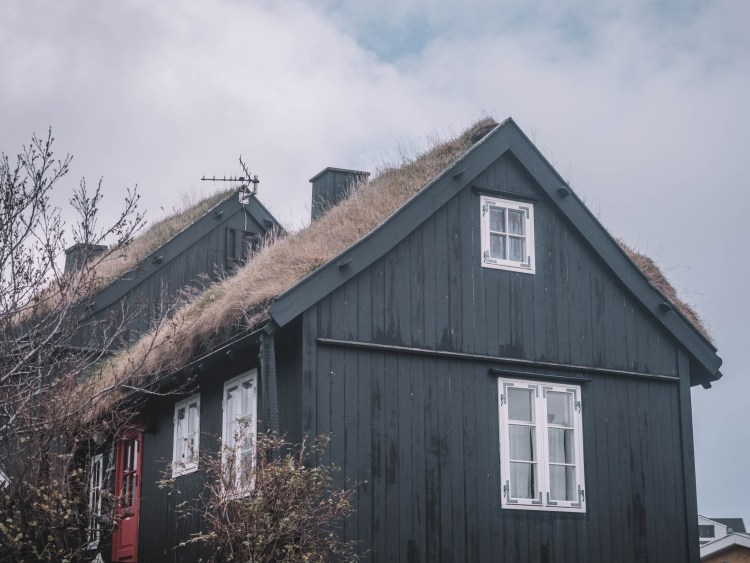 faroe-islands-travel-blog-road-trip-travelling-the-world-solo