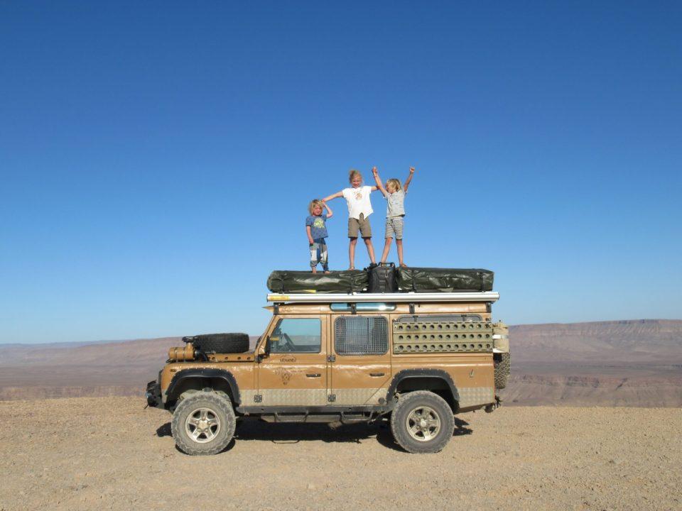 reislustige ouders op wereldreis, wereldreis pauze, overlanders Afrika, reizen met kinderen