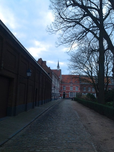 the cobbled streets of the Begijnhof or beguinage
