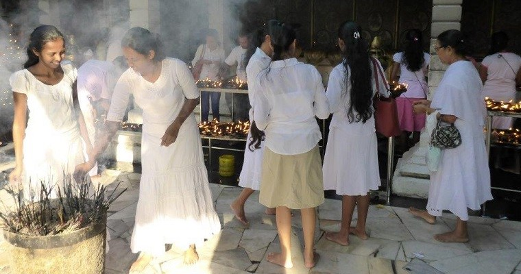 Poya day in Colombo