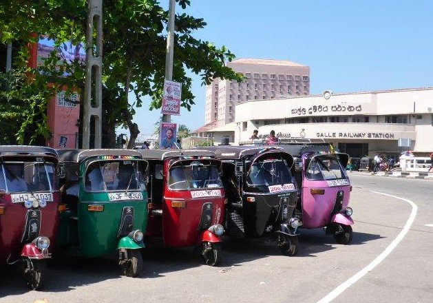 Tuk-tuk's lined up. Which one to choose?