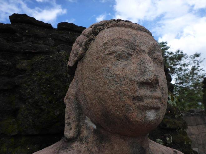The sacred Quadrangle in Polonnaruwa 3
