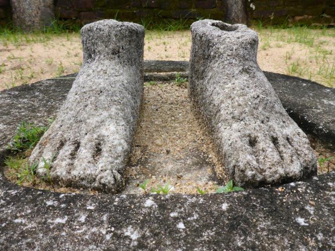 The sacred Quadrangle in Polonnaruwa 4