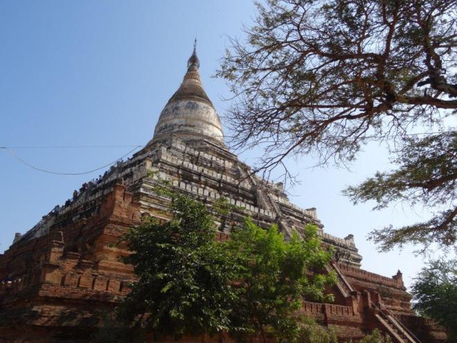 Shwe san daw pagoda. Bagan, Myanmar