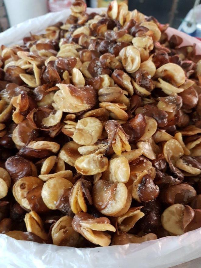 Too burchak - fried beans. Osh Bazaar. Food tour in Bishkek, Kyrgyzstan
