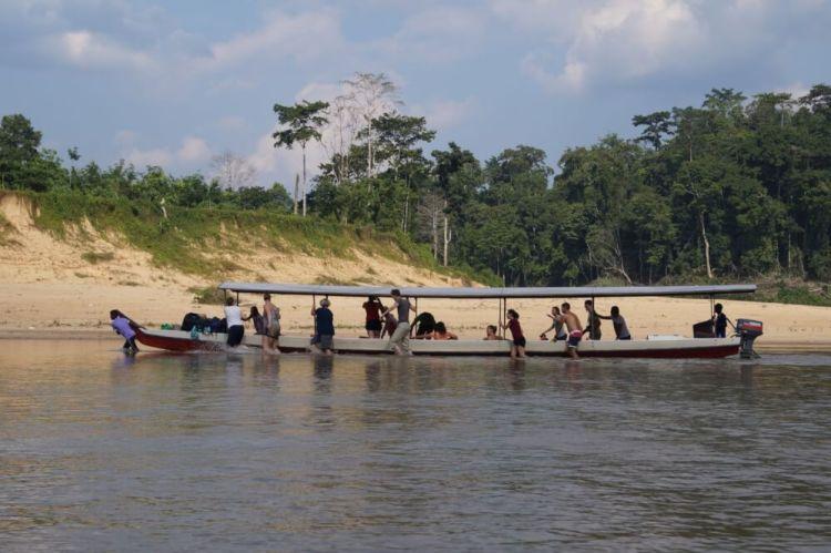 Soms kan je ook pech hebben met de boot, dat het water te laag staat..