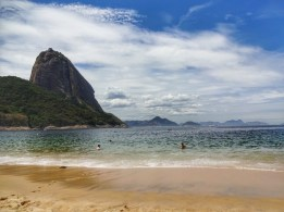 travellumps_rio_redbeach_01