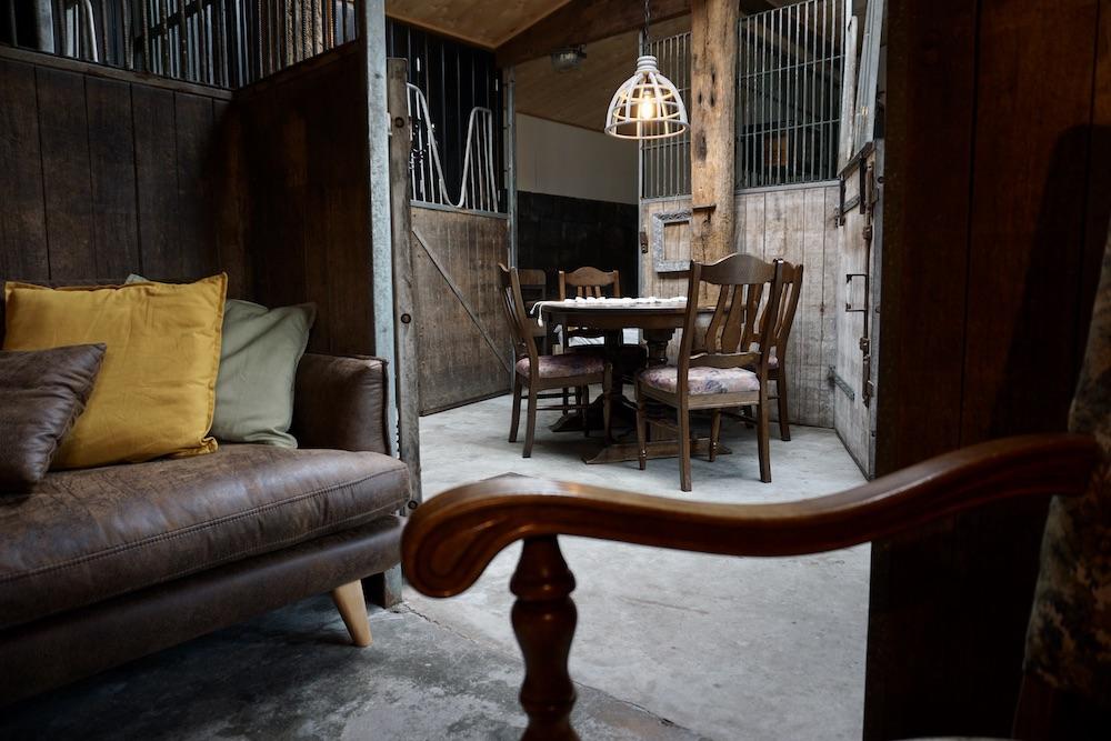 Overnachten Noord Brabant: CRASH'NSTAY Paardenstal in Sprang Capelle
