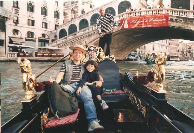 Rialto Bridge (Ponte di Rialto), Venice, Italy