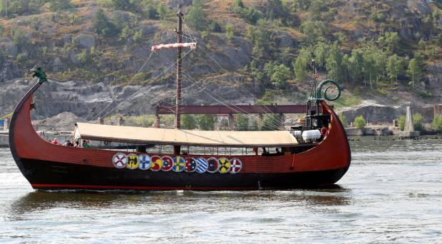 Exploring Land of the Vikings in Drakkar