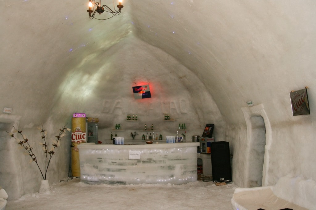 The-Ice-Restaurant-Balea-Ice-Hotel