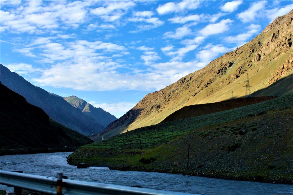 Road trip to Leh Ladakh with Kids Leh-Srinagar Highway