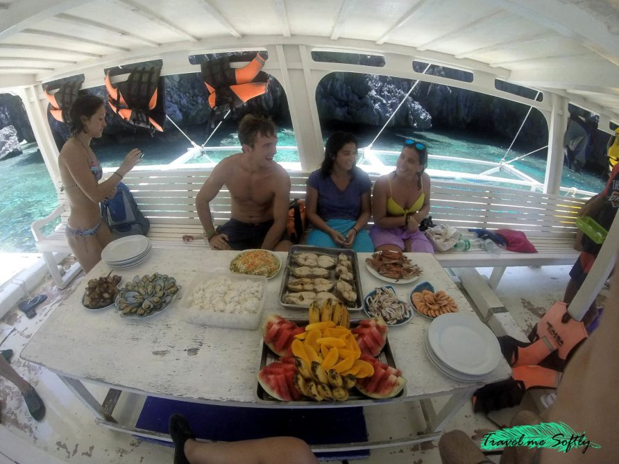 Comida durante el island hopping El Nido