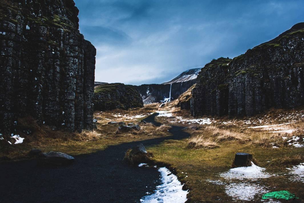 columnas basalticas dverghamrar imágenes de islandia