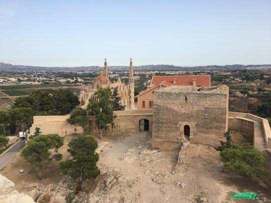 Vistas desde el castillo de la mola torre y santuario