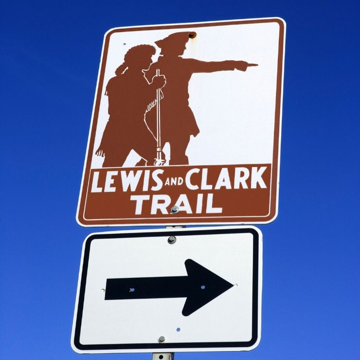 A sign for the Lewis and Clark Trail