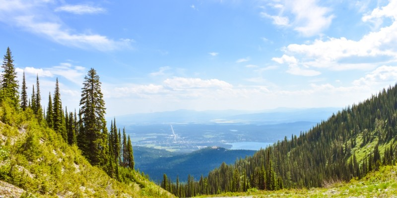 Panoramic views of beauty are part of many of the best things to do in Montana.