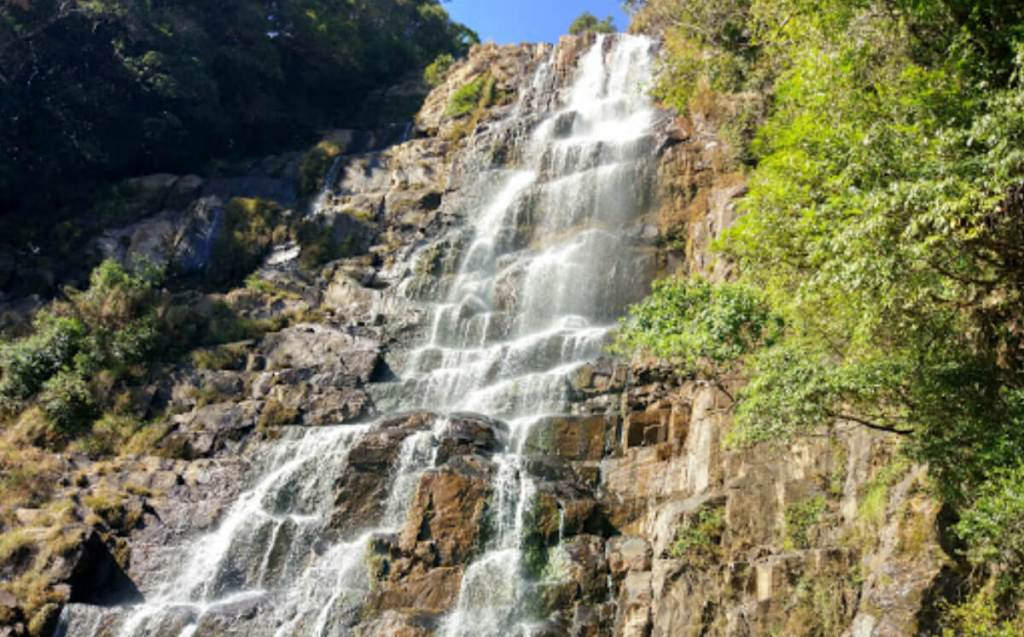 Tyrshi Falls